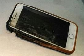 iphone-6-boc-chay-nghi-nguttren-may-bay-khien-hanh-khach-hoang-loan
