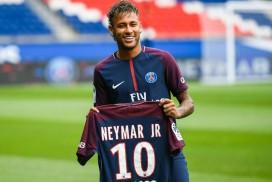 bi-an-ve-chieu-cao-cua-neymar-4101