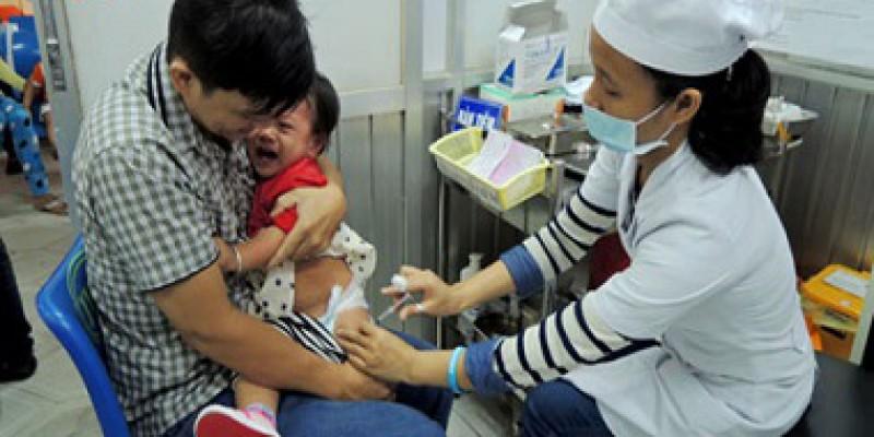 ngay-194-3000-lieu-vaccine-dich-vu-pentaxim-duoc-dang-ky-qua-internet