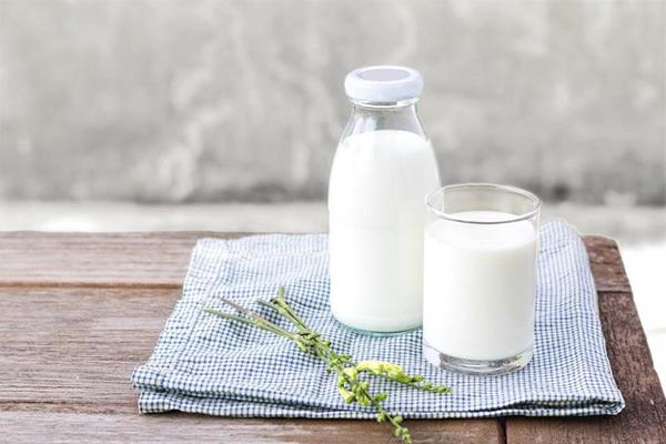 Sữa không chứa nhiều Canxi như bạn tưởng