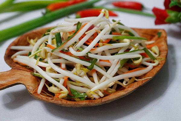 Dưa giá là món ăn không thể thiếu ở mỗi gia đình Việt dịp Tết