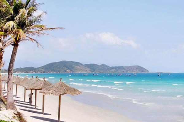 Bãi biển Dốc Lết - Địa điểm du lịch Khánh Hòa đẹp