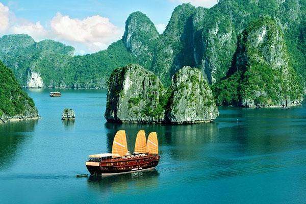 Vịnh Hạ Long nhiều năm liền được đưa vào danh sách những kì quan thiên nhiên đẹp nhất Thế Giới
