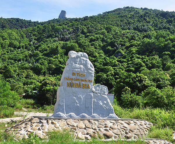 Núi Đá Bia - Địa điểm du lịch hấp dẫn ở Phú Yên