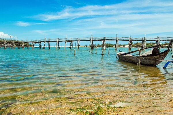 Đầm Ô Loan - Địa điểm du lịch hấp dẫn ở Phú Yên