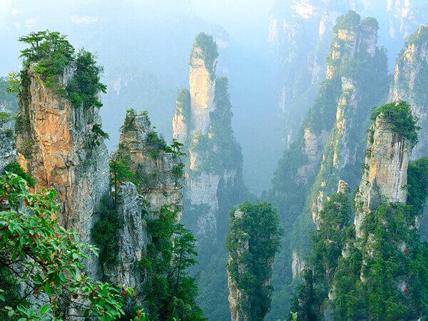 Trương Gia Giới nằm ở phía Tây Bắc của tỉnh Hồ Nam, Trung Quốc