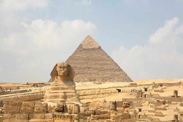 Giza là một trong 7 kỳ quan thế giới còn tồn tại đến ngày hôm nay