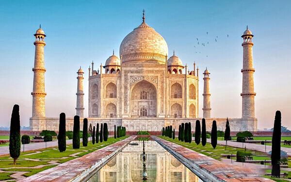 Đền Taj Mahal tại Ấn Độ là ngôi đền tượng trưng cho tình yêu vĩnh hằng