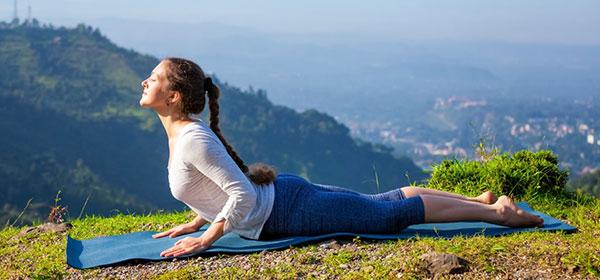 Tư thế rắn hổ mang vô cùng hiệu quả trong việc giảm mỡ bụng