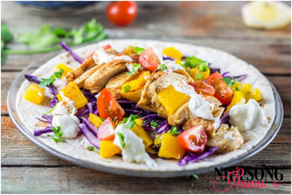 """Bữa trưa """"thông minh"""" vừa giúp cơ thể đủ chất mà không lo tăng cân"""