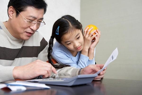 Khi trẻ xứng đáng được cảm ơn, cha mẹ đừng quên nói lời này với con