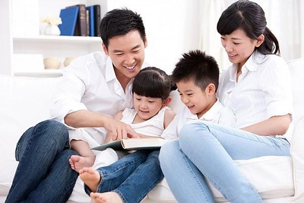 Cha mẹ là tấm gương đầu tiên để trẻ học theo
