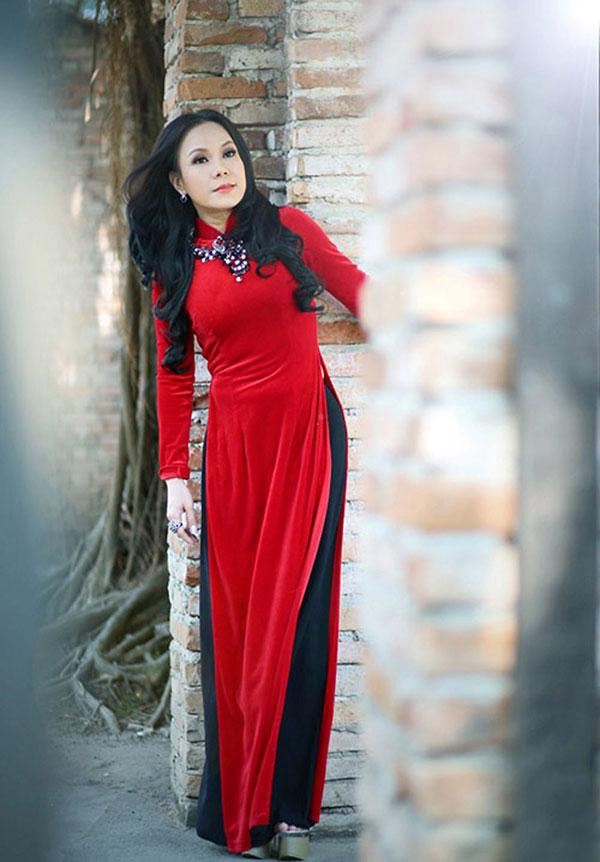 Việt Hương sở hữu chiều có 1m51