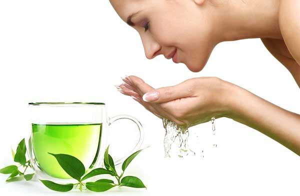 Hàng ngày rửa mặt bằng nước trà xanh rất tốt cho da