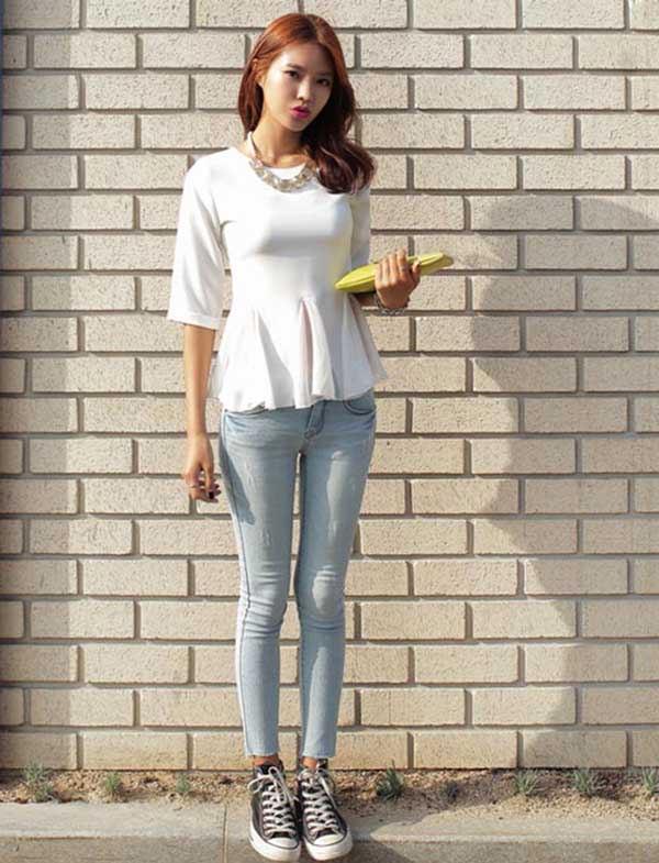 Quần jean với áo peplum