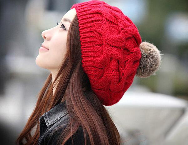 Mũ là item không thể thiếu trong mùa đông