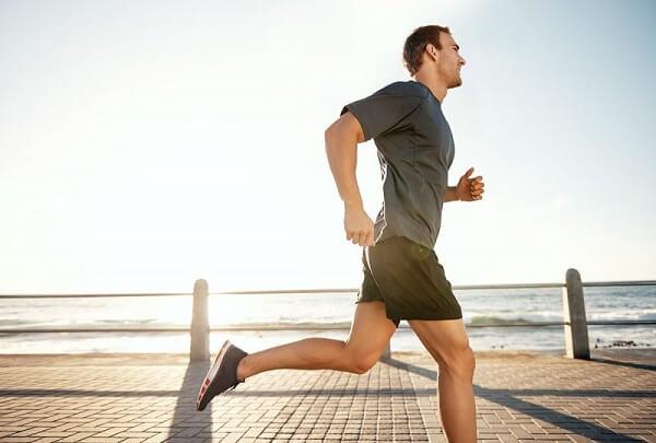 Vận động thường xuyên với các bài tập giãn cơ