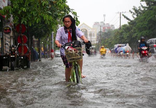 Học sinh - sinh viên được cho nghỉ học để phòng tránh các nguy cơ của bão