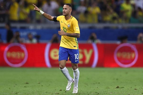 Neymar cao 1m75
