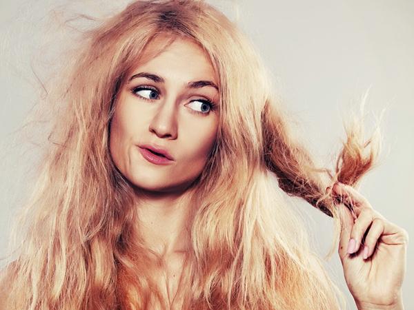Chải tóc chưa phải là cáchgiúp tóc thẳng và vào nếp