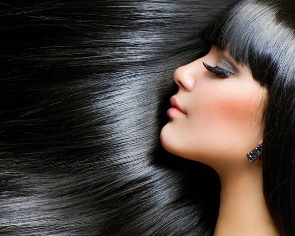Dầu xả giúp tóc đảm bảo độ ẩmvà mềm mượt