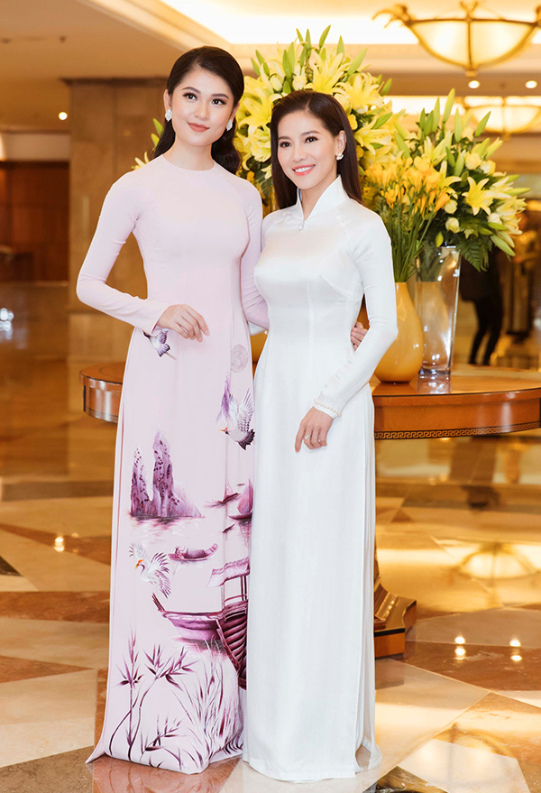 Bà Phạm Kim Dung (bên phải) - Phó BTC cuộc thiHoa hậu Việt Nam