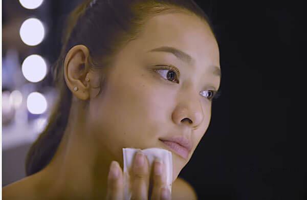 Mặt mộc của Lyly Trần khiến nhiều người xuýt xoa
