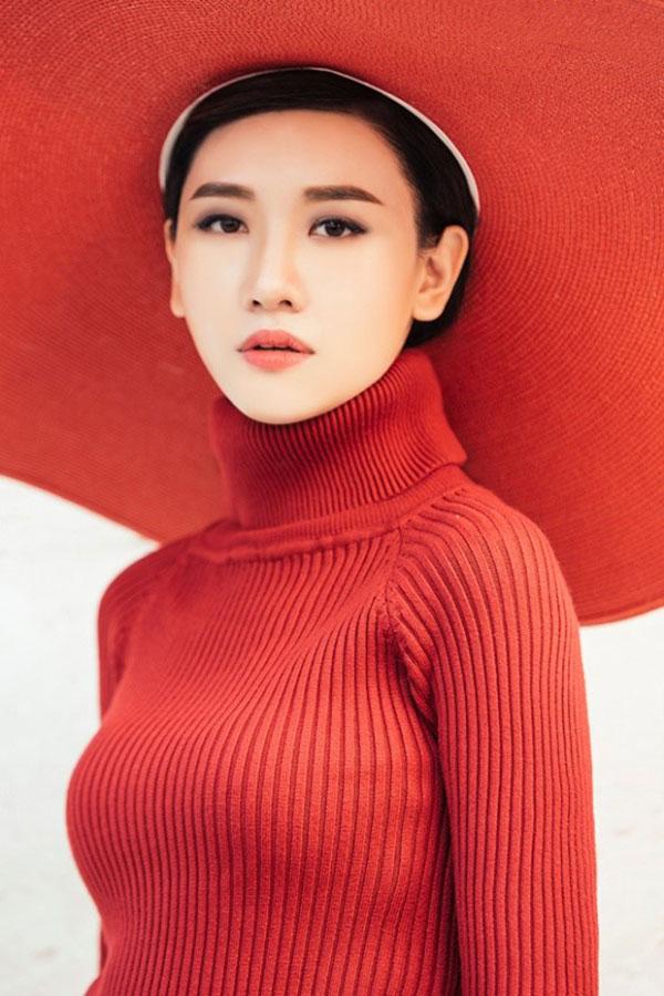 that-kho-nhan-ra-hari-won-trong-bo-anh-nay-3