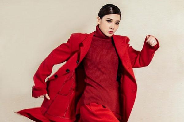 that-kho-nhan-ra-hari-won-trong-bo-anh-nay-6