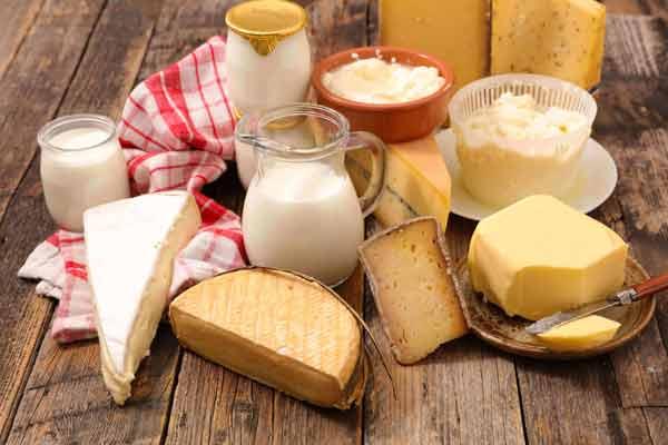 Sữa và các chế phẩm từ sữa rất tốt cho trẻ ăn dặm