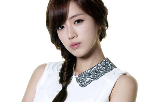 Eun Jung (trưởng nhóm T-ara)