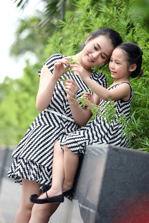 Áo cặp cho mẹ và bé gái
