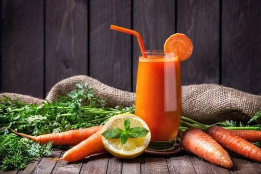 nước ép cà rốt giúp phát triển chiều cao