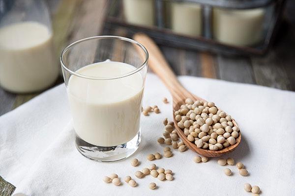 Sữa đậu nành giàu dinh dưỡng hơn sữa hoàn nguyên