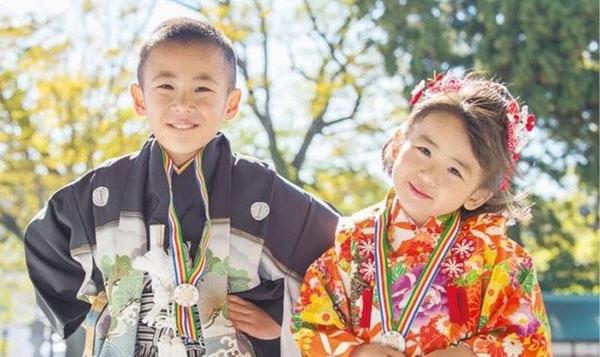 Chiều cao trẻ em Nhật đang ngày càng tăng nhờ được chăm sóc đúng cách