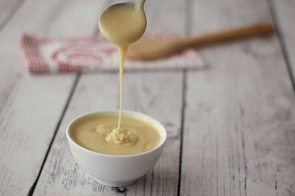 Sữa đặc không đường và có đường có chung kết cấu nhưng khác về độ ngọt