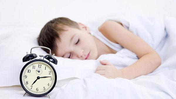 Luôn đảm bảo ngủ đủ giấc và đúng giờ để cơ thể được tái tạo, cung cấp nguồn năng lượng mới để hoạt động và hấp thụ tối ưu các chất dinh dưỡng