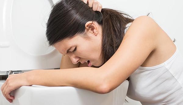Thừa Canxi có thể gây chóng mặt, buồn nôn hoặc sỏi thận