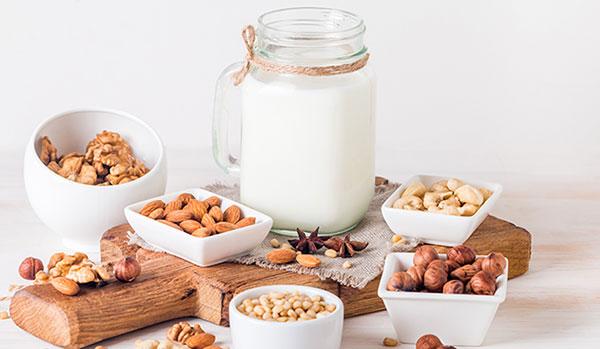 Sữa hạt giúp cung cấp các vitamin, khoáng chất cần thiết cho sự phát triển của trẻ