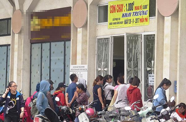 Quán cơm 1K của anh Nguyễn Quang Bi