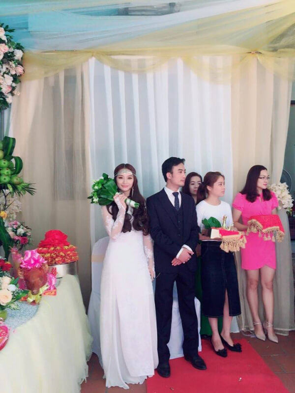 Ảnh siêu ngầu của Trần Tú 'Người phán xử trong đám hỏi với vợ đẹp Thái Nguyên
