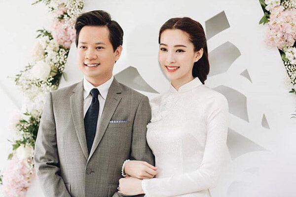 Hoa hậu Đặng Thu Thảo hạnh phúc bên chồng tương lai