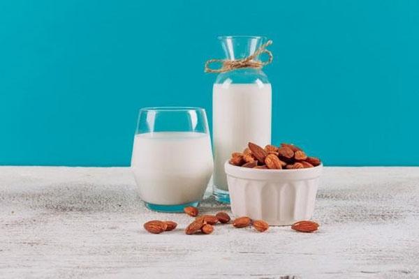 Sữa hạnh nhân tốt cho hệ xương, hệ tiêu hóa, tim mạch