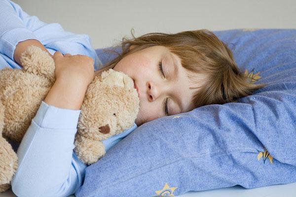 Giấc ngủ có ảnh hưởng quan trọng đến sự phát triển của chiều cao (Ảnh: Internet)