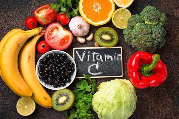 vitamin-c-giup-tang-chieu-cao-cho-tre-trong-bung-me
